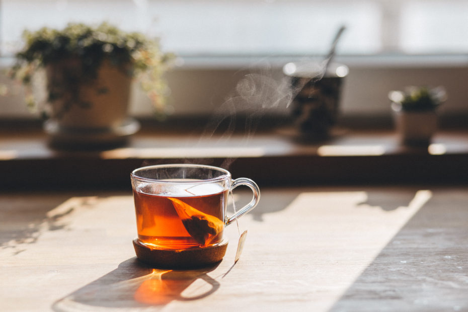 Warm tea is a traditional health tip for feeling cold.